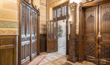 Les meubles néo-gothique