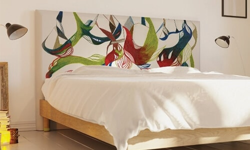 Customiser une tête de lit pour la remettre au goût du jour