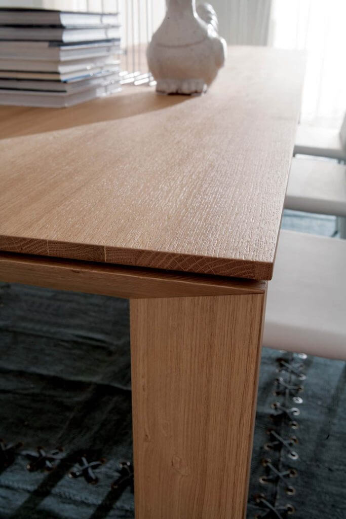 Table modulable à base de mélaminé