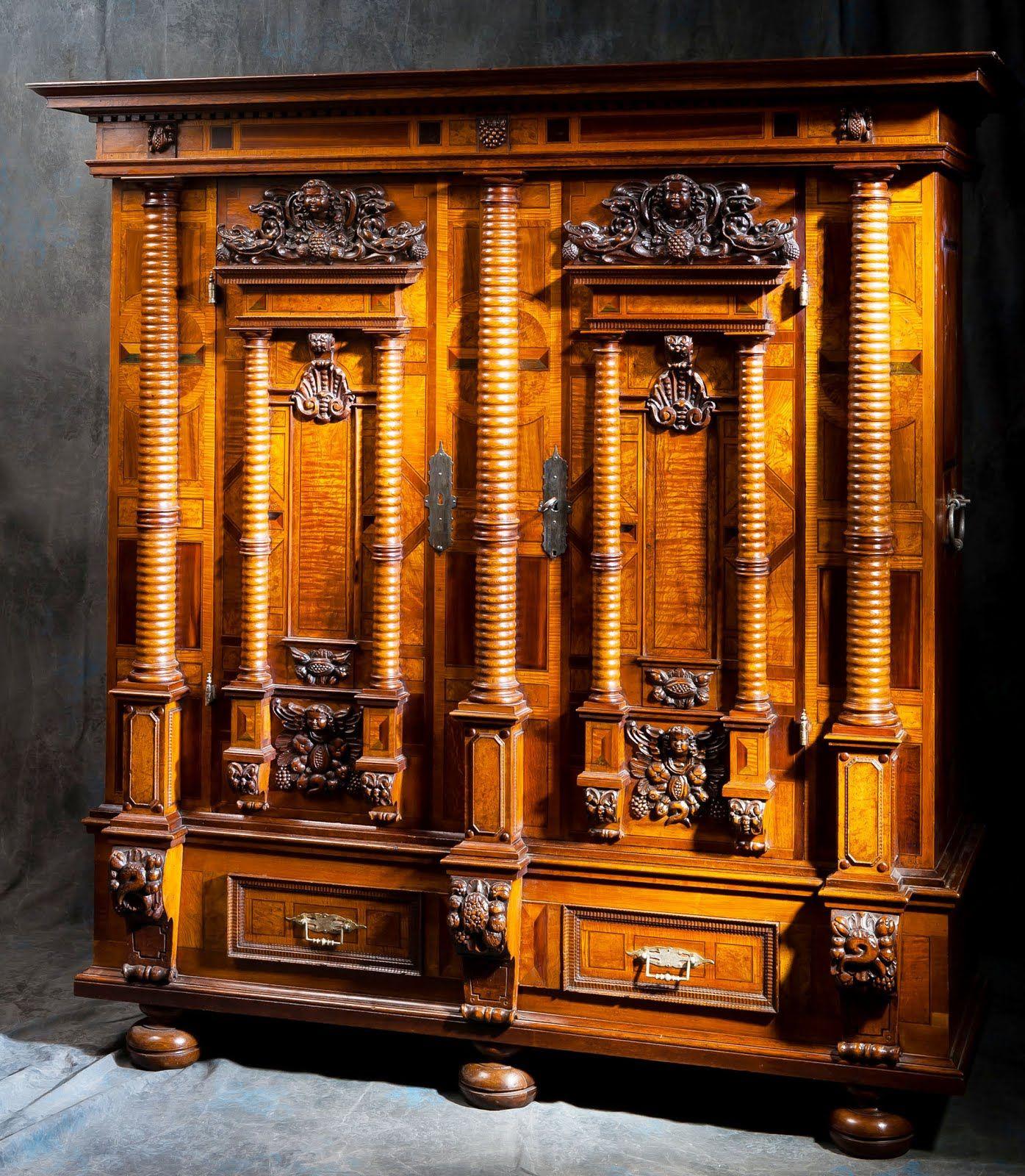 Armoire alsacienne 7 colonnes époque renaissance