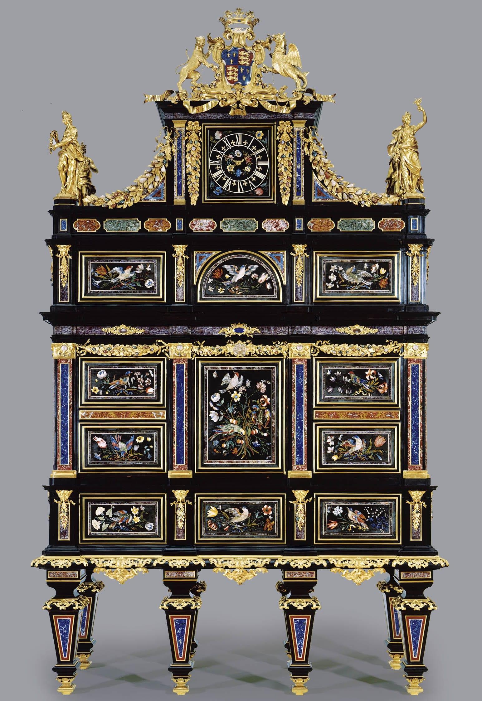 Cabinet meuble historique badminton