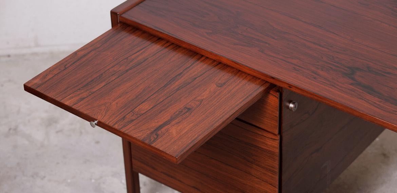 détails bureau vintage en bois de rose
