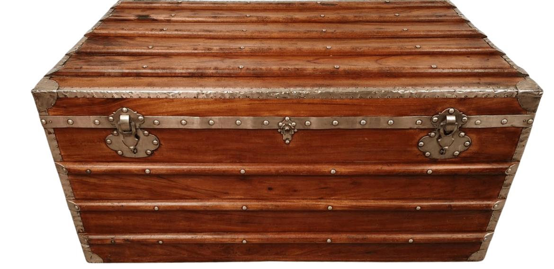 Malle bateau en bois